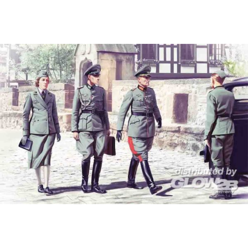 ICM 35611 : WWII German Staff Personnel (4 figures)  1:35
